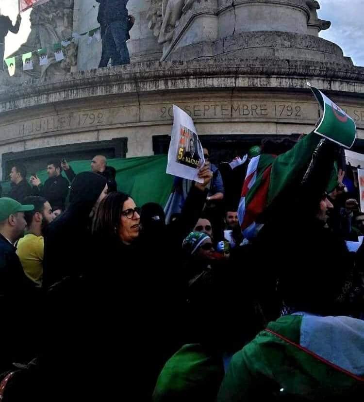 صورة وقفات احتجاجية للجزائريين بباريس