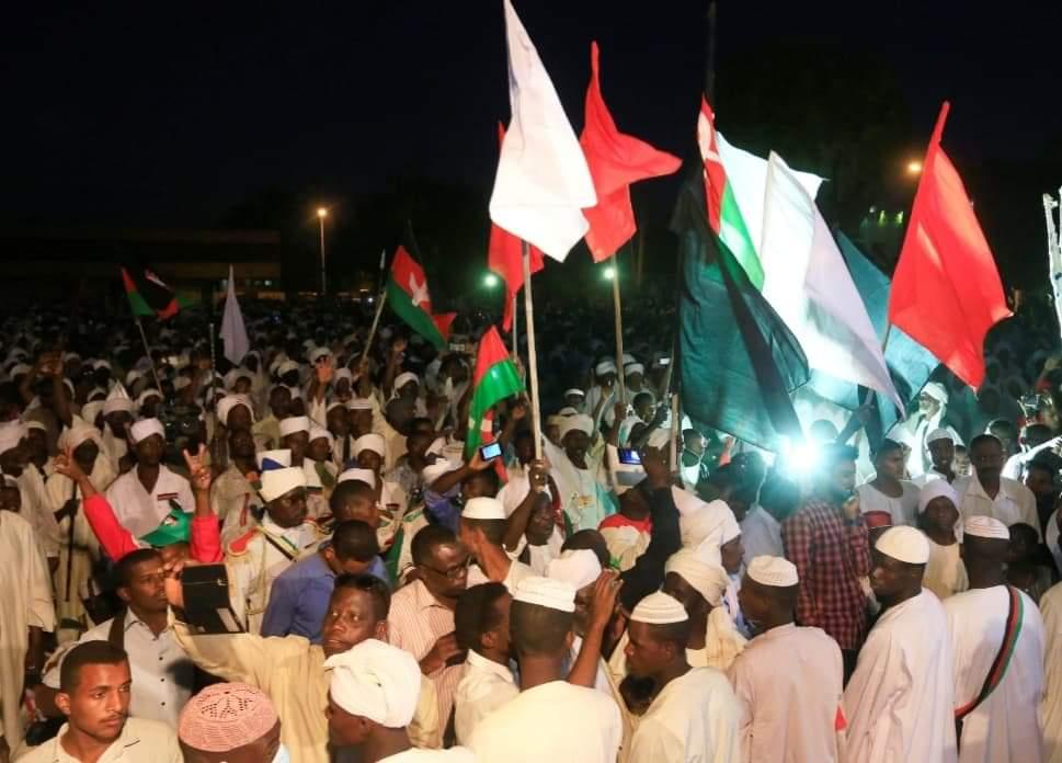 صورة اعتصام امام القيادة العامة للجيش بالسودان