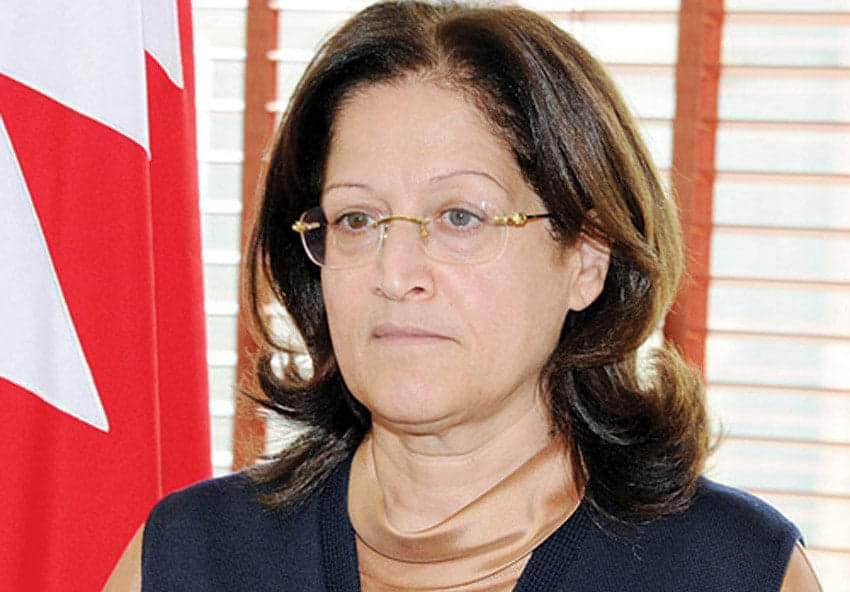 """صورة الكاتبة سميرة رجب على صفحات """"كل العرب"""""""