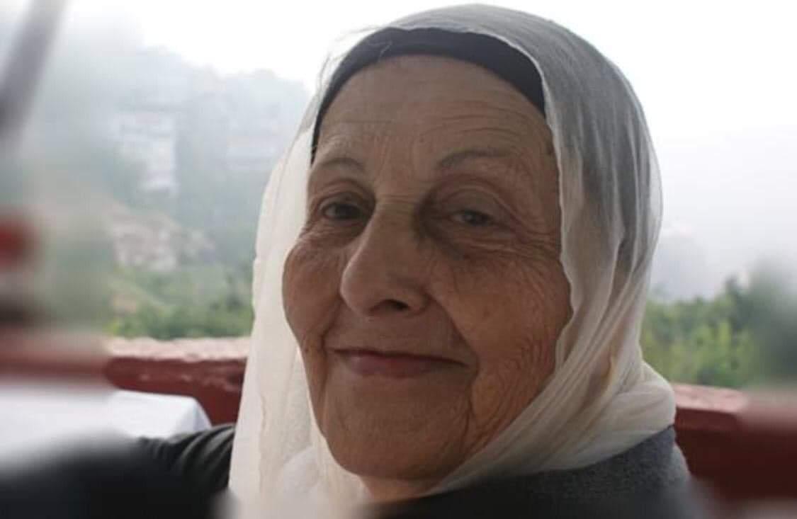 """صورة والدة رئيس تحرير """"كل العرب"""" في ذمة الله"""
